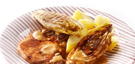 Karbonade met mosterdjus en gegrilde witlof