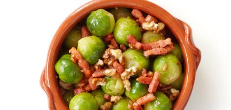 Spruitjes met spekjes en noten