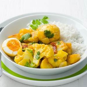 Curry van bloemkool, aardappelen en eieren
