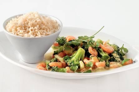 Pittige curry met broccoli en garnalen