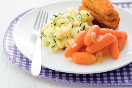 Gestoofde worteltjes met vissticks